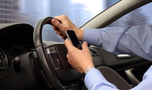 trafikte telefon kullanımı