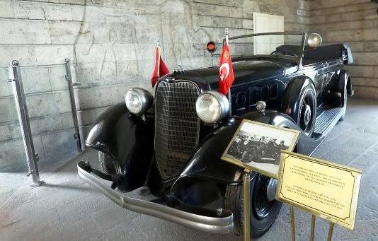 Atatürk'ün Makam Otomobilleri
