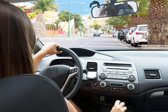 Kadınların Araç Kullanırken Dikkat Etmesi Gereken 15 Kural