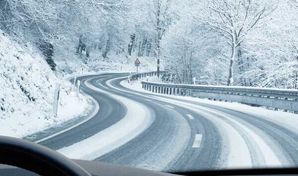 Kaygan ve Karlı Yolda Araç Kullanmanın Tüyoları